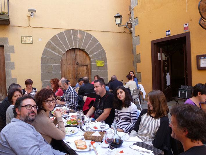 Cloenda gastronòmica de la Festa Estellés de Torelló. Confiem que després de la primera en vinguen moltes més.